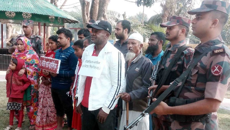 Nigerian citizen held, 15 Bangladeshi nationals rescued along Benapole border