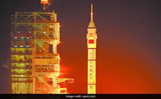 China sends 5 satellites into orbit via single rocket
