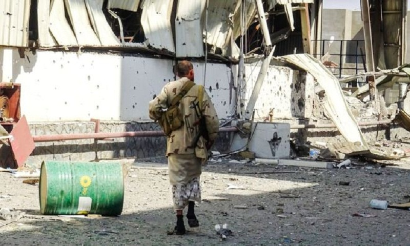 Yemen war: Fighting resumes at key port of Hudaydah