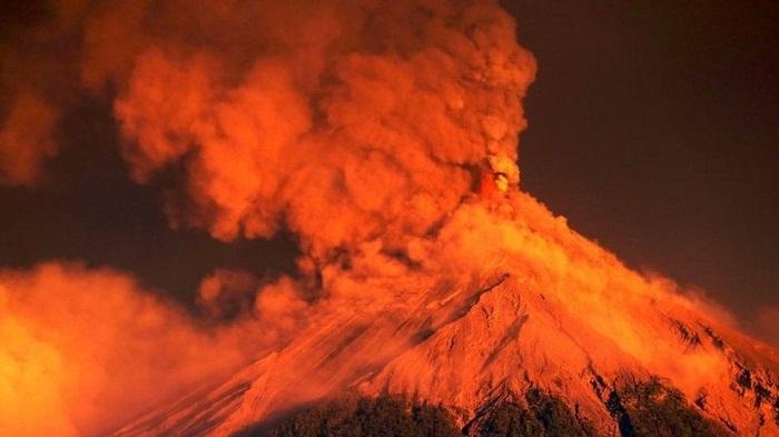Thousands evacuated as Guatemala Fuego volcano erupts again