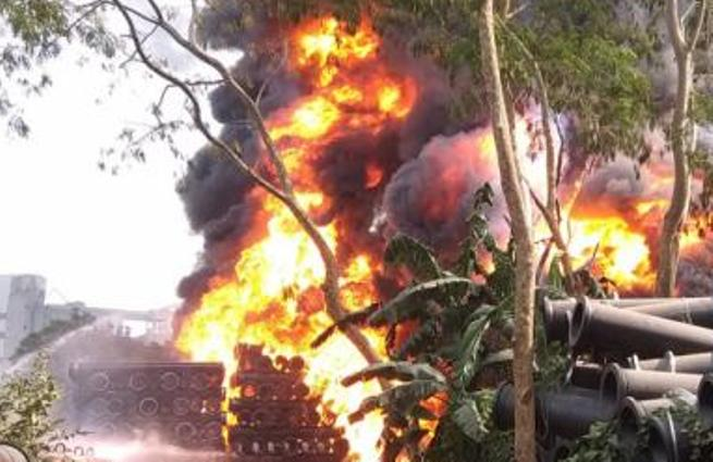 Fire breaks out at BIWTA warehouse in Narayanganj