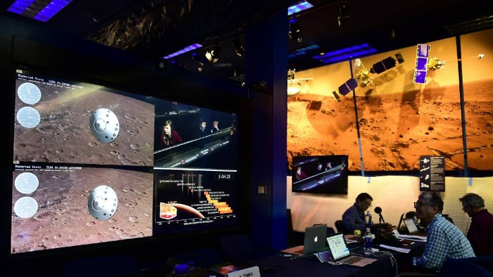 Cheers as Mars InSight spacecraft lands on Red Planet