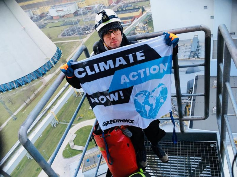 Greenpeace protests ahead of Poland climate summit