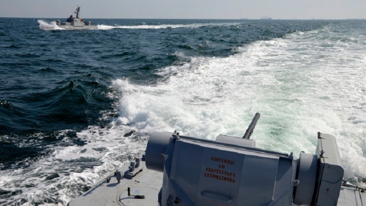 Ukraine urges NATO to deploy ships amid standoff with Russia