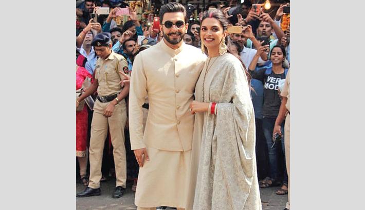 Deepika, Ranveer visit Siddhivinayak Temple in coordinated outfits