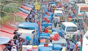 Hawkers take over city footpaths