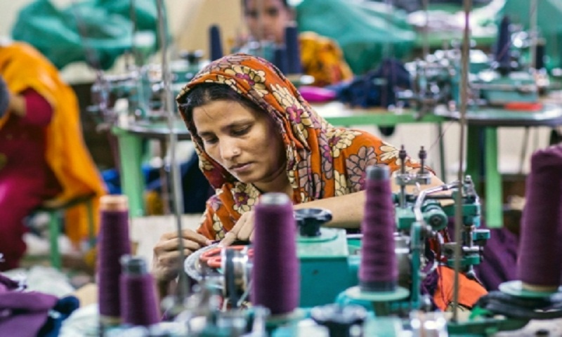 Apparel workers to get minimum salary Tk 8,000 from Dec