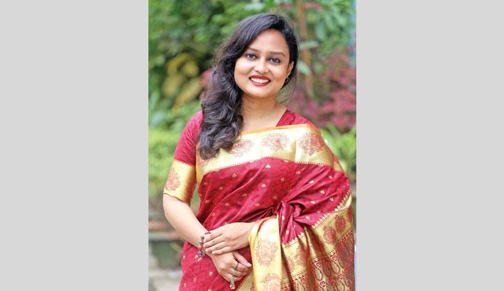 Oishi renders Nazrul Sangeet first time