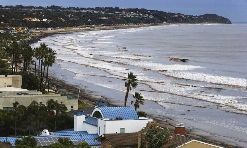 Floods, mudslides as storm wallops Southern California