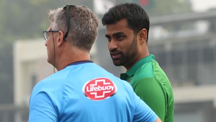 Bangladesh coach in selection dilemma