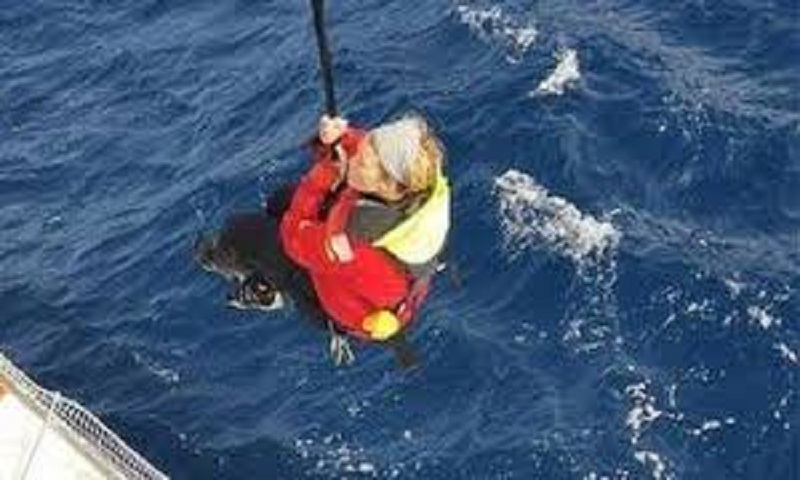 Susie Goodall: Golden Globe Race sailor rescued by 40,000-tonne cargo ship