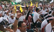 Muslims rally to defend privileges in multi-ethnic Malaysia