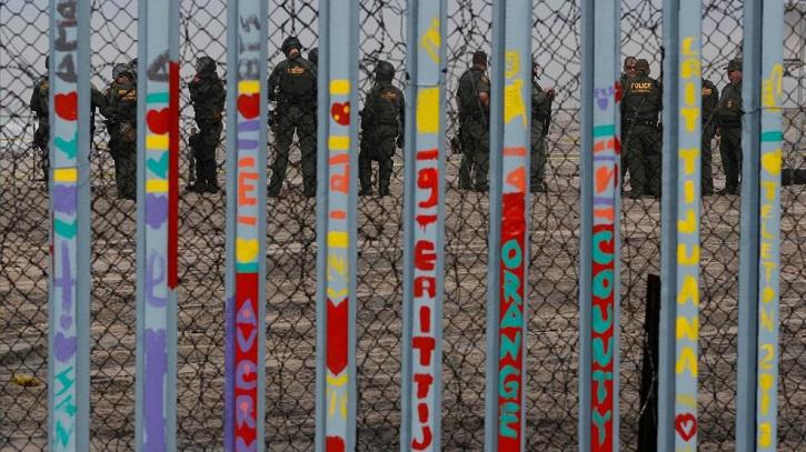 Trump says military to build border wall if Democrats refuse