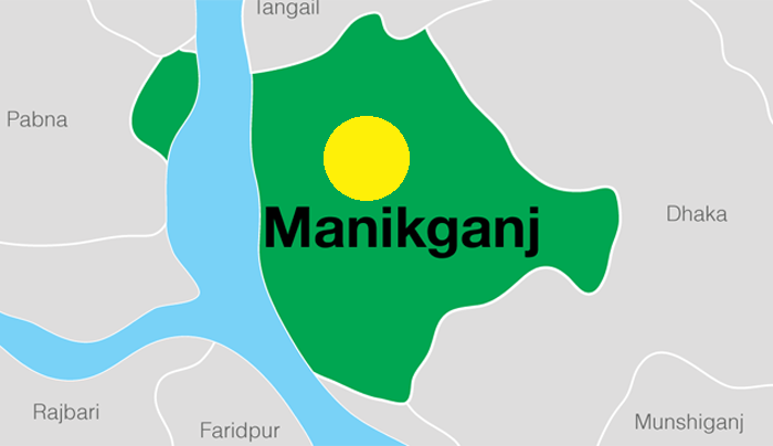 Schoolgirl hacked by stalkers in Manikganj