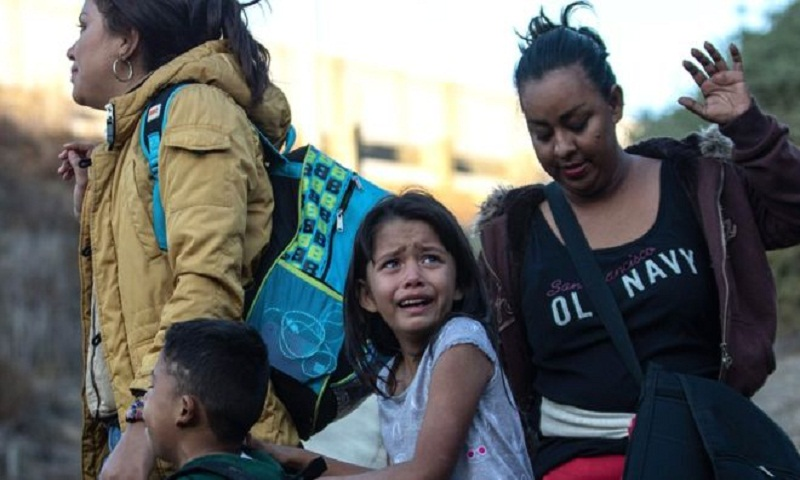 Migrant caravan: Girl dies in custody after crossing US-Mexico border