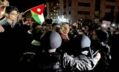 Protesters, police scuffle in anti-tax protests in Jordan
