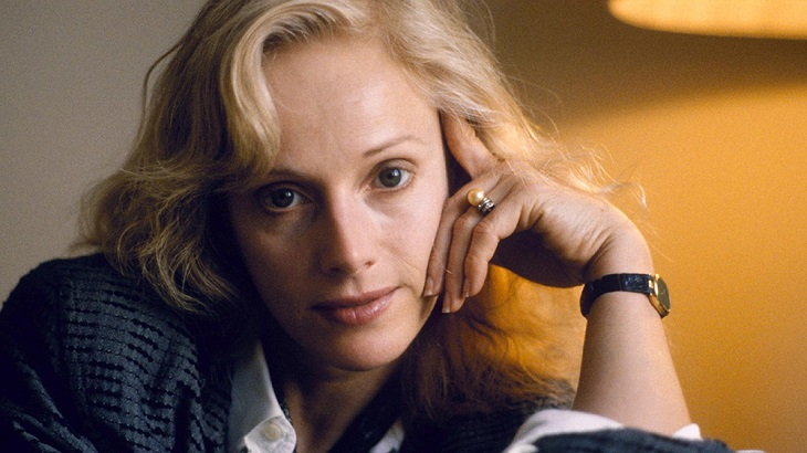 Actress Sondra Locke dead at 74