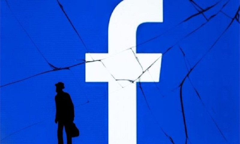 Facebook sued by top prosecutor over Cambridge Analytica