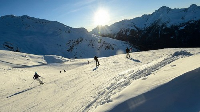 Boy survives 40-minute burial after  French Alps avalanche