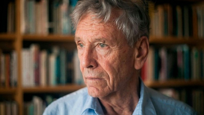 Revered Israeli writer Amos Oz dies