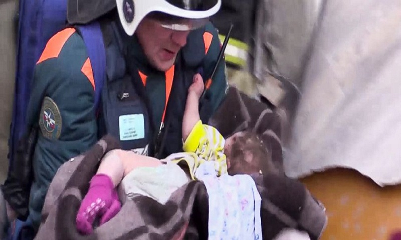 Magnitogorsk blast: Boy found alive in rubble flown to Moscow