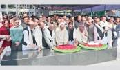 PM pays homage to Bangabandhu