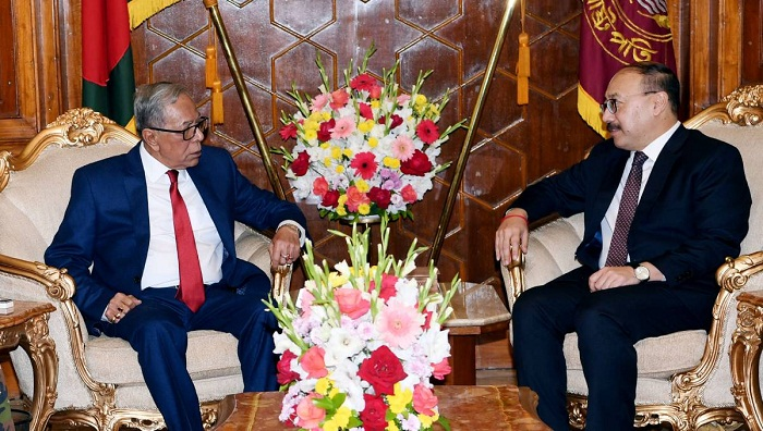 Indian envoy Harsh Vardhan Shringla pays farewell call on President Abdul Hamid