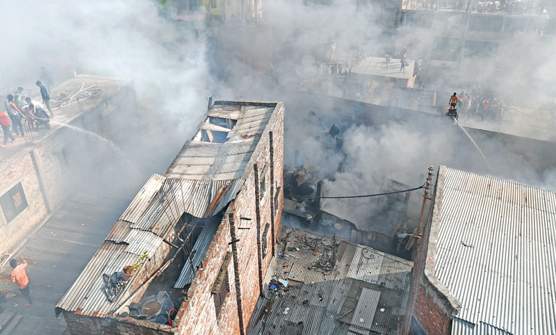 Plastic factory catches fire in Old Dhaka