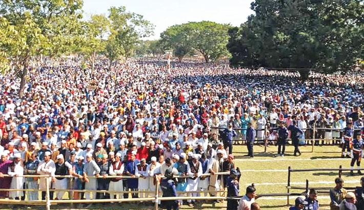 A large number of people gather at Sholakia Eidgah filed to attend namaz-e-janaza