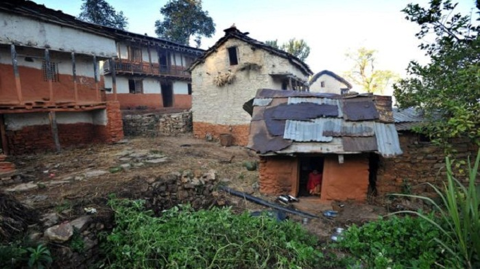 Nepal woman and children die in banned 'menstruation hut'