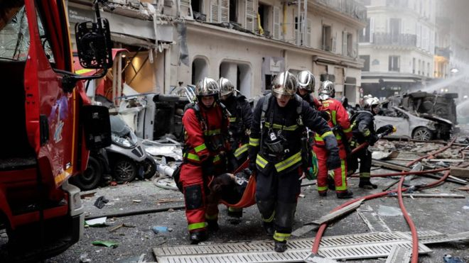 Paris 'gas explosion' shakes street in city centre