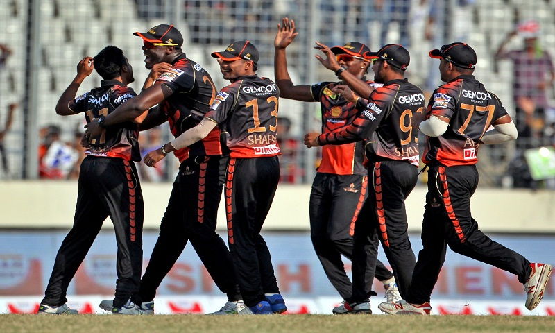 Khulna Titans score 138/5 against Chittagong Vikings
