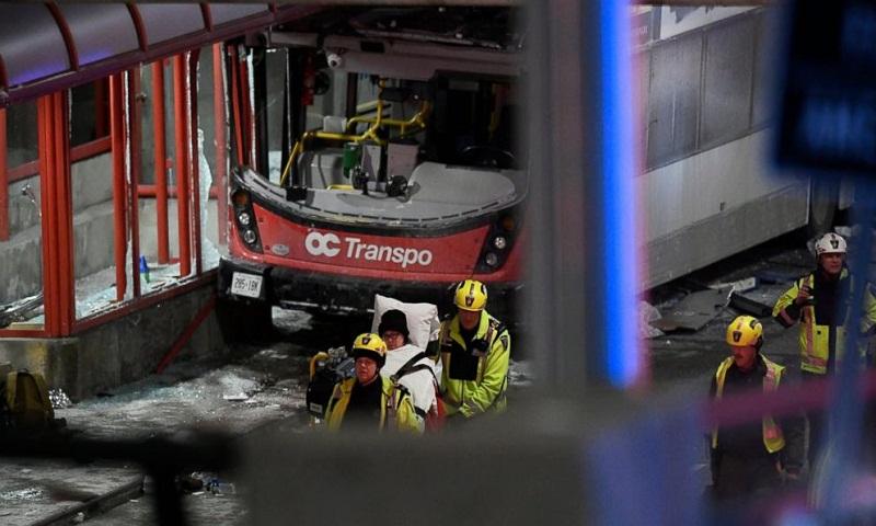 3 dead, 23 injured in Ottawa bus crash
