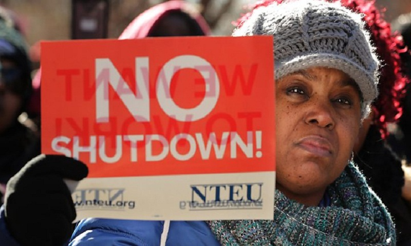 US shutdown bites as federal workers miss payday