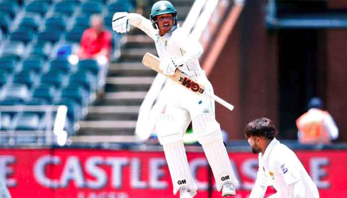 De Kock puts South Africa on top, warns clean sweep will be 'tough'