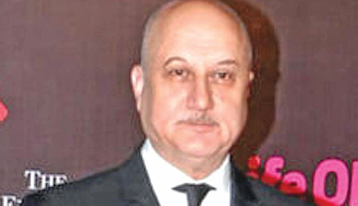 Those attacking my performance have political agenda: Anupam