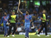 India beat Australia by 6 wickets to level series 1-1