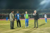 Riders win toss, ask Sixers to bat first