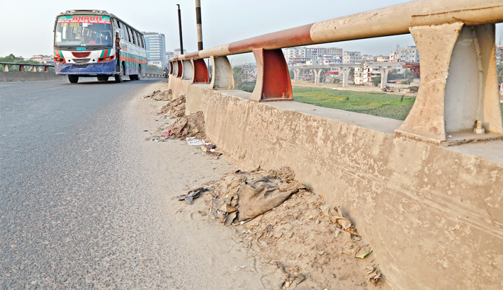 Flyovers lie littered with dirt