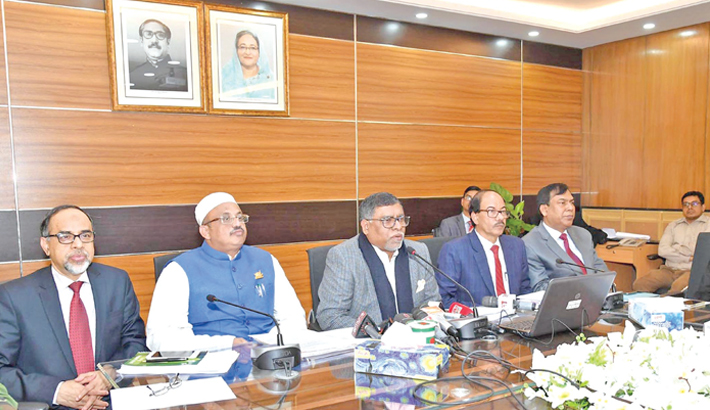 Govt launches 100-day programme  to improve healthcare
