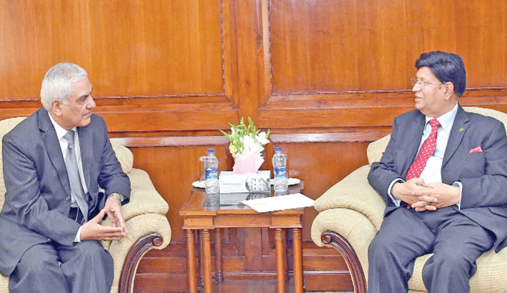 Outgoing Nepalese envoy calls on FM