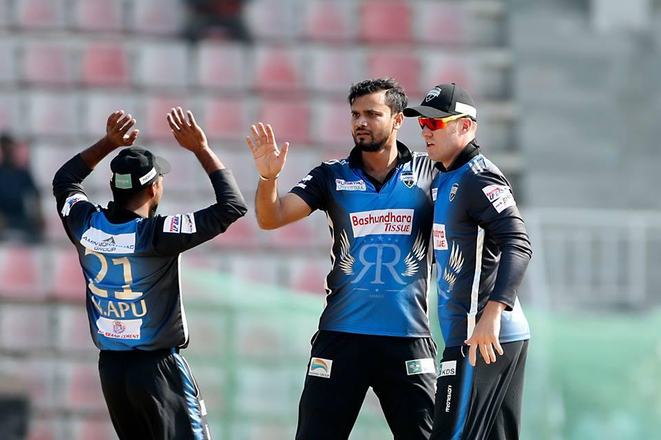 Sylhet Sixers set 195 runs target for Rangpur Riders