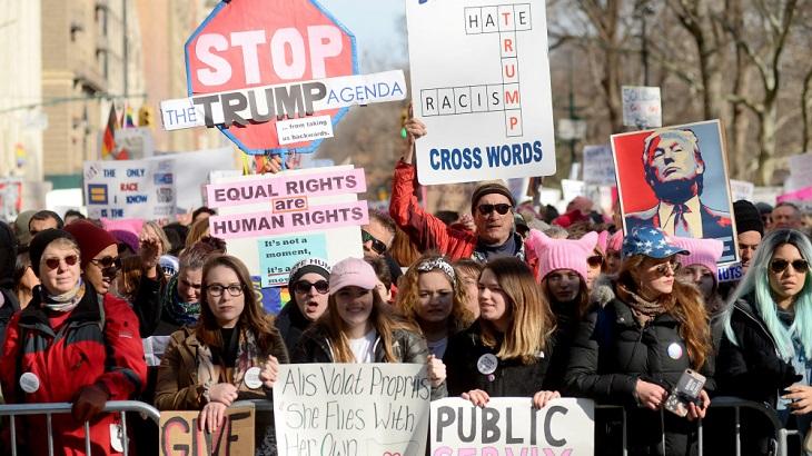 Thousands join US women's march despite discord