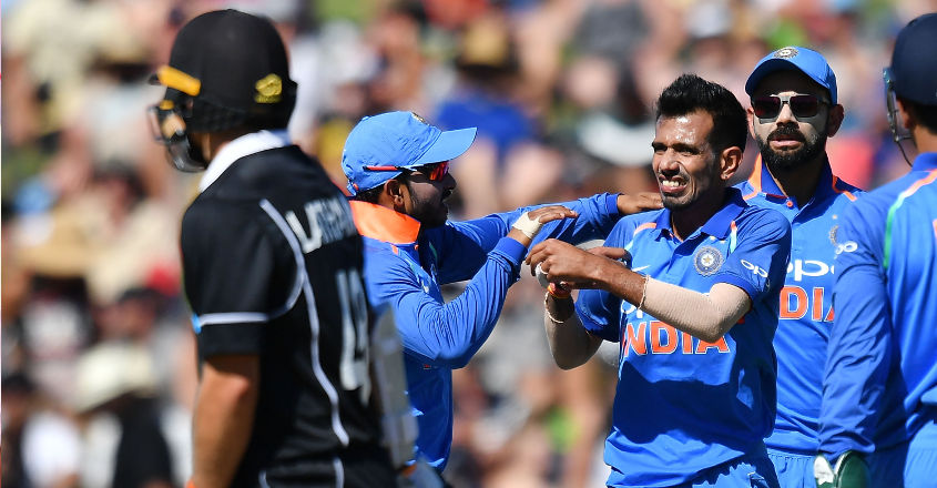 India bowl out New Zealand for 157 in first ODI