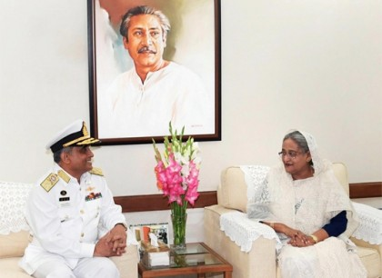 Outgoing naval chief pays farewell call on Prime Minister