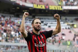 Chelsea signs Higuain on loan in bid to fix scoring problems