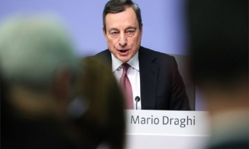 Eurozone's economic outlook darkens as growth risks increase