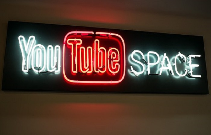 YouTube to crack down on conspiracy videos