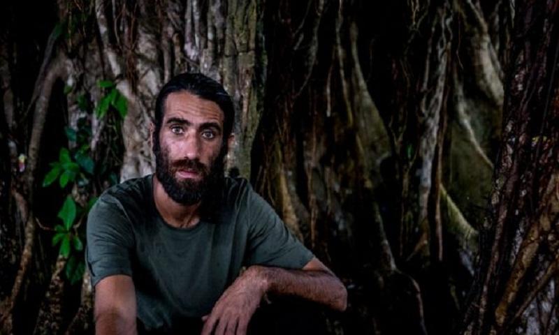 Behrouz Boochani: Refugee who wrote book using WhatsApp wins top prize
