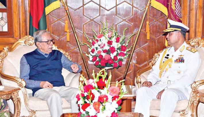 Newly-appointed Chief of Naval Staff Vice Admiral AMMM Aurangzeb Chowdhury meets President Abdul Hamid